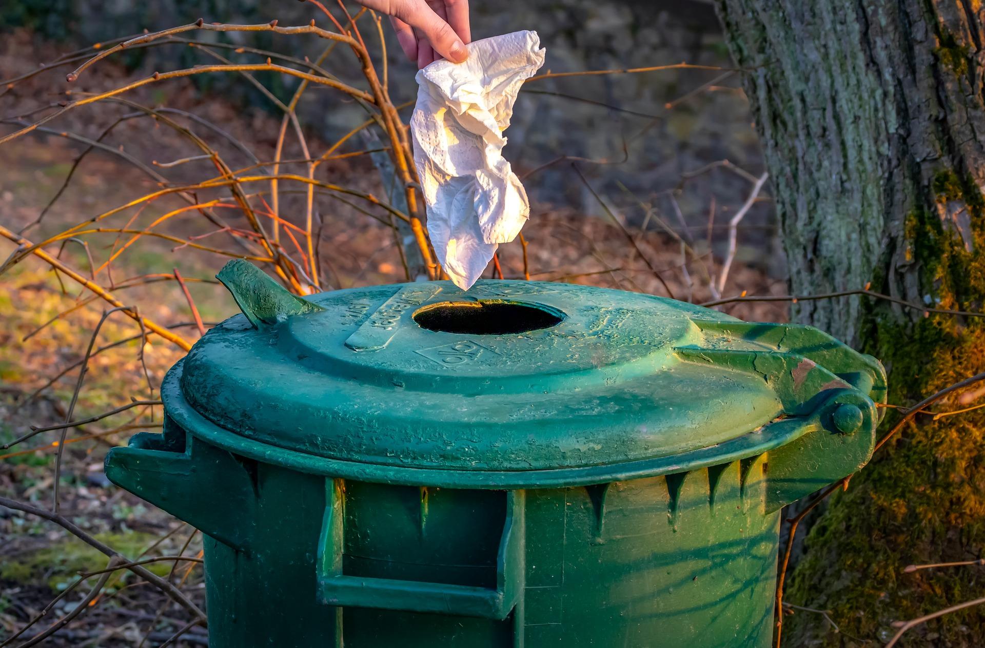 garbage disposal bin